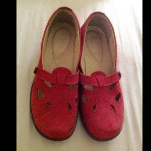Hotter Red 9.5 Suede Walking Shoes Mary Janes